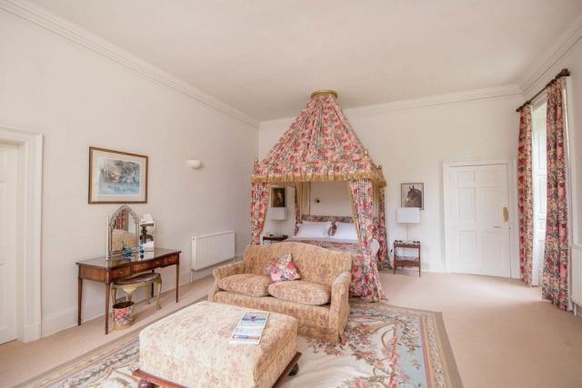 Luxury King Ensuite Bedroom